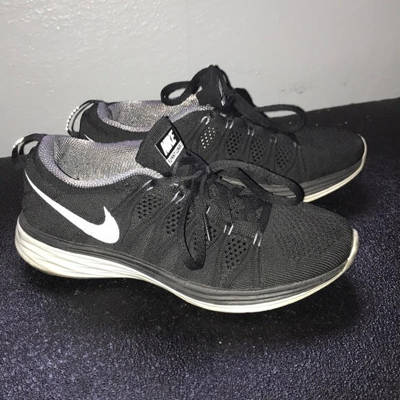 brand new af5d3 5c2ca Black Nike Flyknit Lunar 2